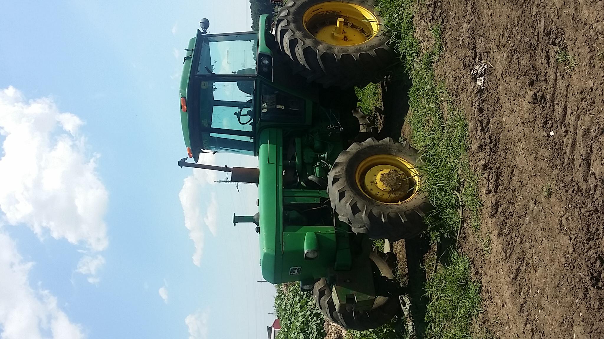 Dezmembrez tractor john deere 4240